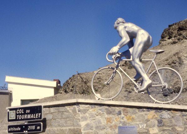 Cyclistes_au_Tourmalet