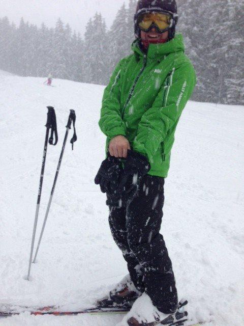 Testing the Von Zipper Feenom goggles on a snowy day.