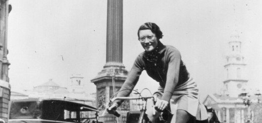 Billie-in-Trafalgar-Square-1938-720x340