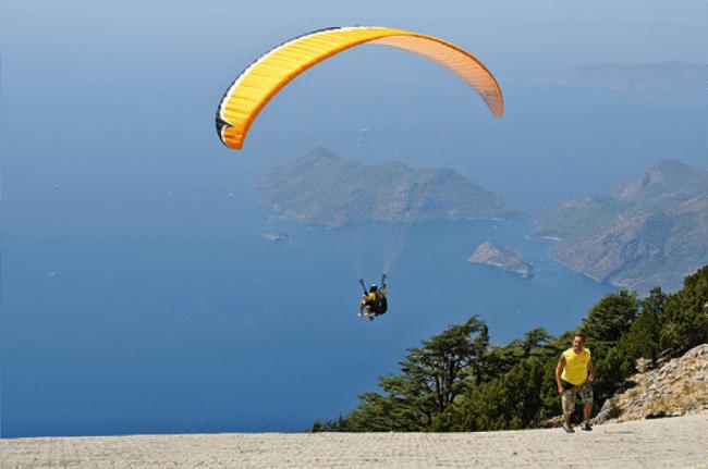 Paragliding rides in Turkey. Pic credit: Chris_Parfittused underCClicense